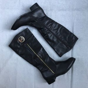 NWOT MK boots sz 9